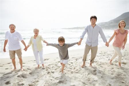 Happy-Family-Having-Fun-300h